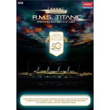 *Tulossa* R.M.S TITANIC PREMIUM EDITION WITH LED, wood deck, photo etch, brass details, 1/400