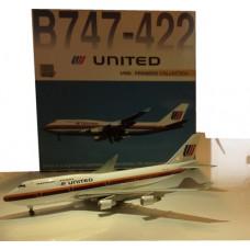 United B747-422