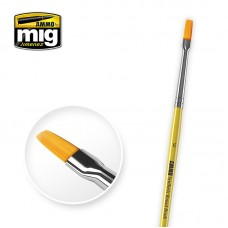 6 Synthetic Flat Brush